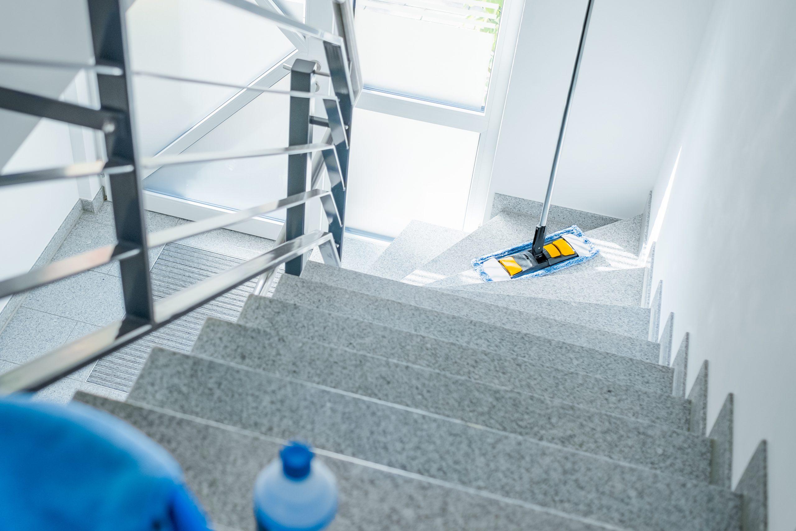 Leistungen - Treppenhausreinigung - März Gebäudemanagement